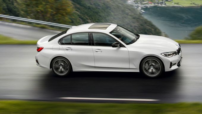 BMW 320d mild hybrid berlina