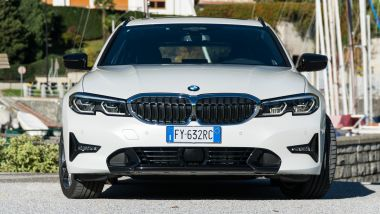 BMW 320d Touring, frontale
