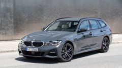 BMW 320e Touring: il frontale