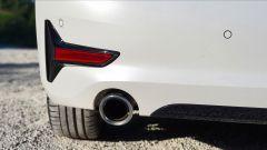 BMW 330e Sport 2020, dettaglio dello scarico