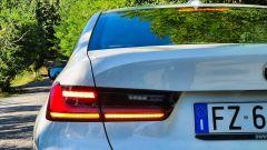 BMW 330e Sport 2020, il gruppo ottico posteriore