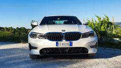 BMW 330e Sport 2020, vista frontale