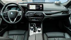 BMW 520d xDrive Touring, gli interni