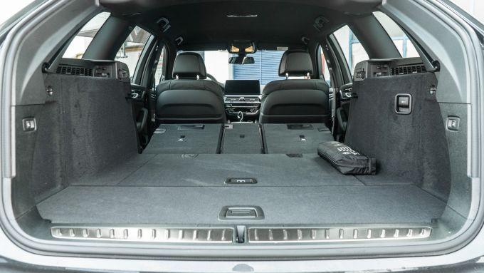BMW 520d xDrive Touring, il vano bagagli