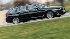 BMW 520d xDrive Touring (mild hybrid): prova su strada, opinioni