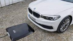 BMW 530e: la prima ibrida che si ricarica senza fili - Immagine: 4