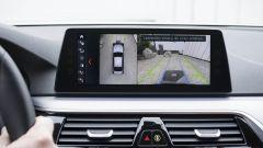 BMW 530e: la prima ibrida che si ricarica senza fili - Immagine: 5