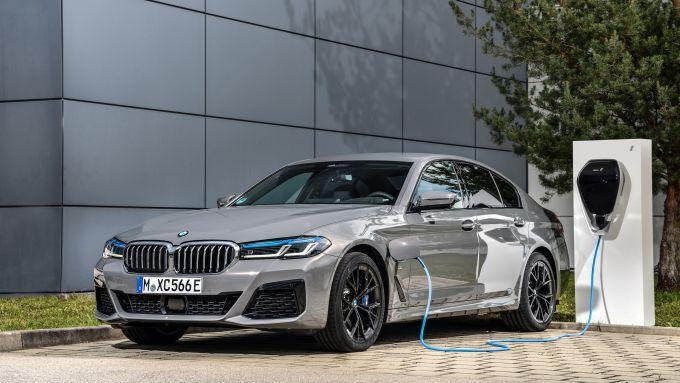 BMW 545e (plug-in hybrid)