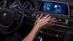 BMW e gli aggiornamenti software iDrive 7 di ottobre 2021. Video