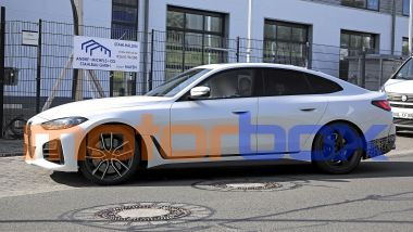 BMW Alpina B4 Gran Coupé: visuale laterale