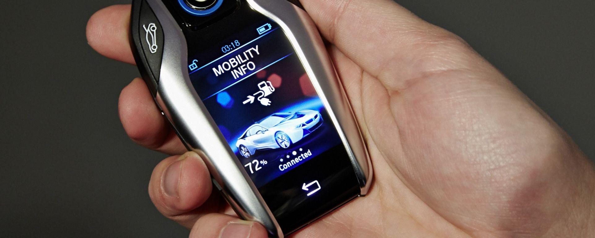 BMW: anche la chiave avrà il dispaly