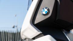BMW C 400 X 2019, dettaglio del marchio