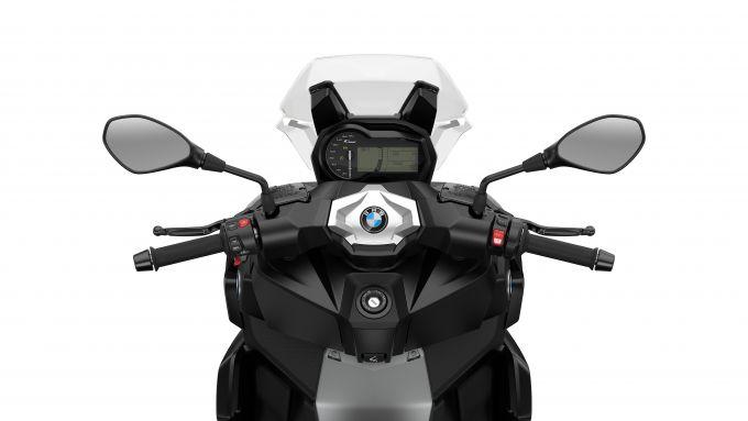 BMW C 400 X 2021: cruscotto e comandi