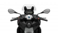 BMW C 400 X 2021: il ponte di comando