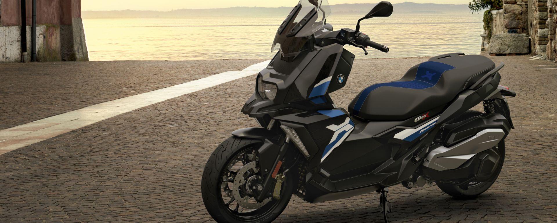 BMW C 400 X 2021: la colorazione Sport