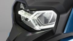 BMW C 400 X: il gruppo ottico asimmetrico