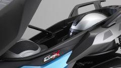 BMW C 400 X: il vano sottosella