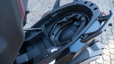 BMW C 400 X, la capacità di carico con sistema Flex-case