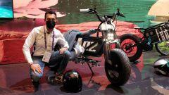 IAA 2021: BMW Concept CE 02, moto elettrica a 16 anni. Video live