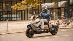BMW CE 04 2021: lo scooter elettrico è guidabile anche con patente A1