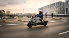 BMW CE 04 2021: motore, autonomia, prestazioni e ricarica