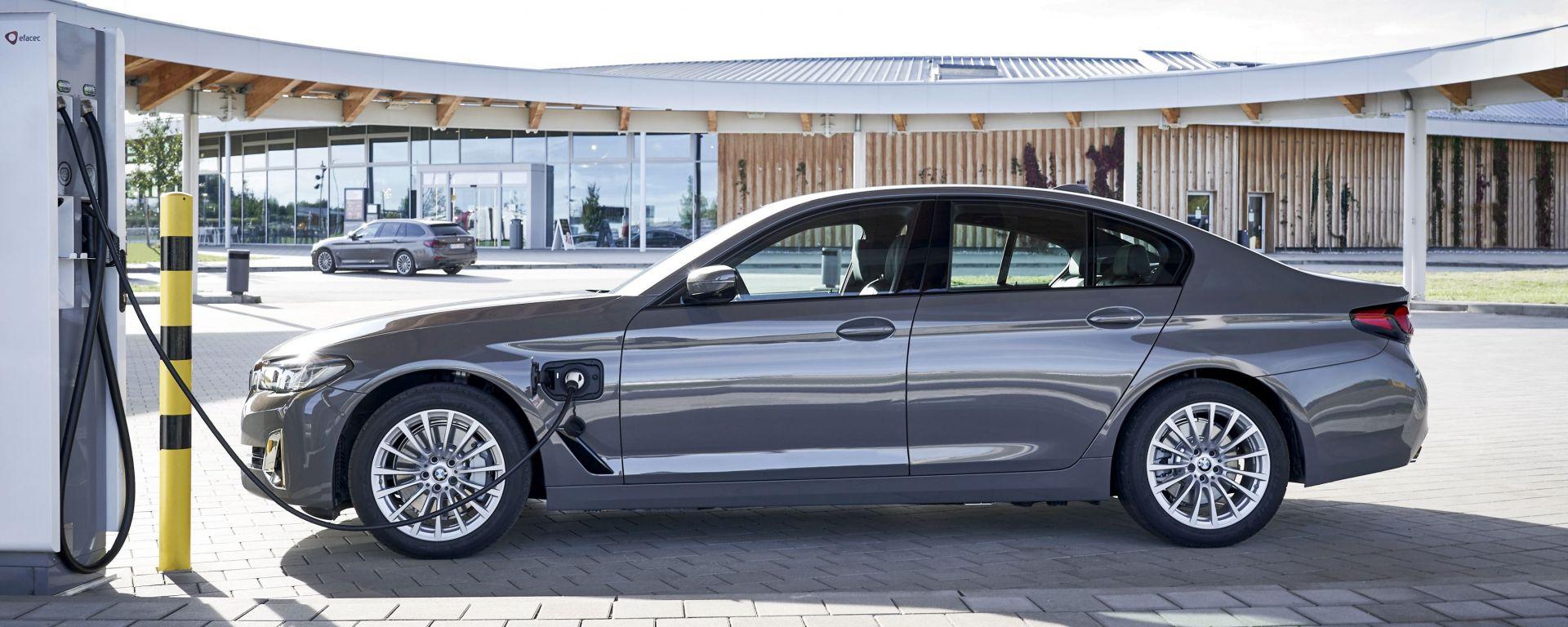 BMW eDrive Zones, il servizio di geofencing attivo a Milano, Roma e Torino