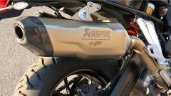 BMW F 750 GS: dettaglio dello scarico Akrapovic