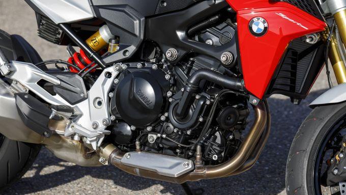 BMW F 900 R: dettaglio del motore