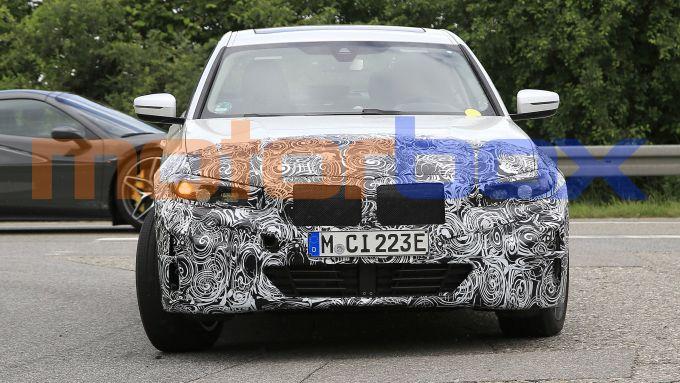 BMW i3: visuale anteriore