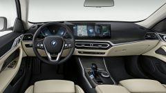 BMW i4, gli interni