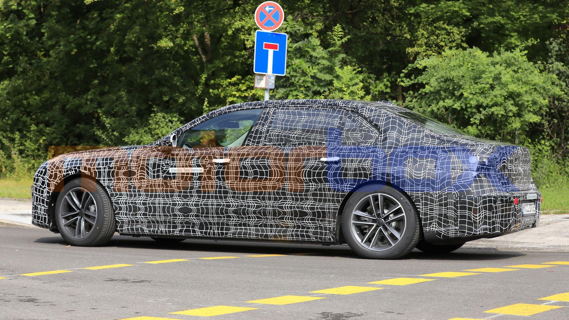 2022 - [BMW] i7 688491-16x9-lg