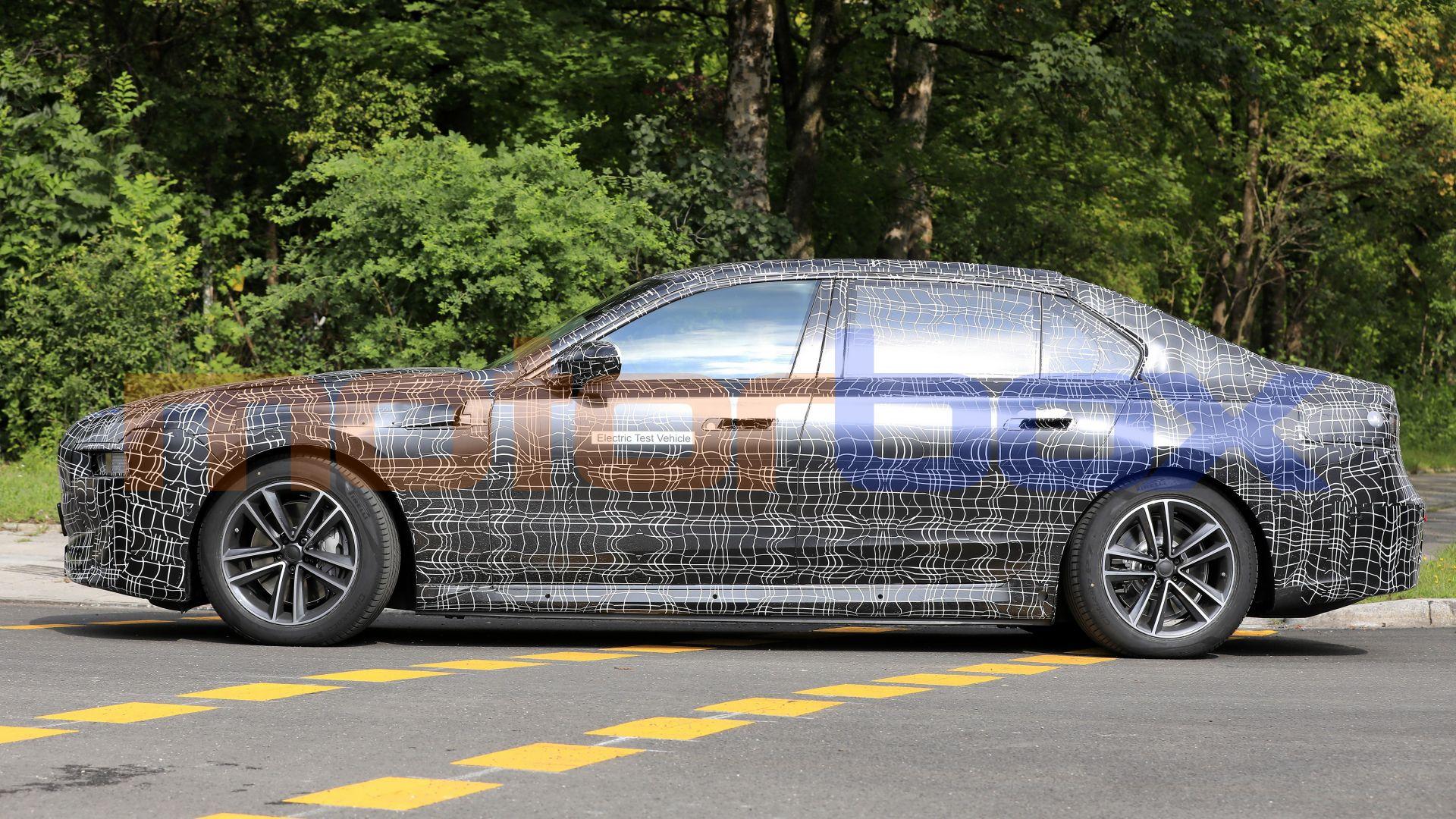 2022 - [BMW] i7 688490-16x9-lg