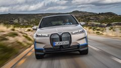 BMW iX 2021: visuale frontale