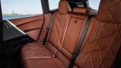 BMW iX: sedile posteriore