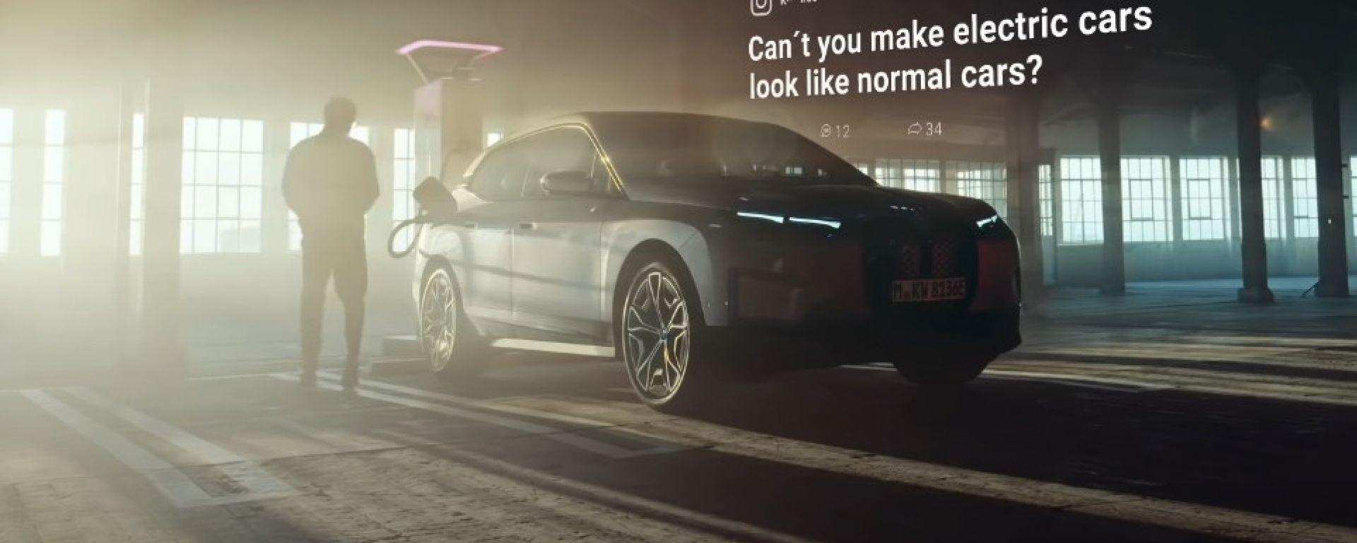 BMW iX, dal web pioggia di critiche. La risposta è geniale