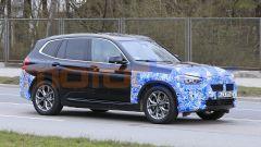 BMW iX3 2021, foto spia: la produzione inizierà in Cina entro l'anno