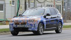 BMW iX3 2021, foto spia