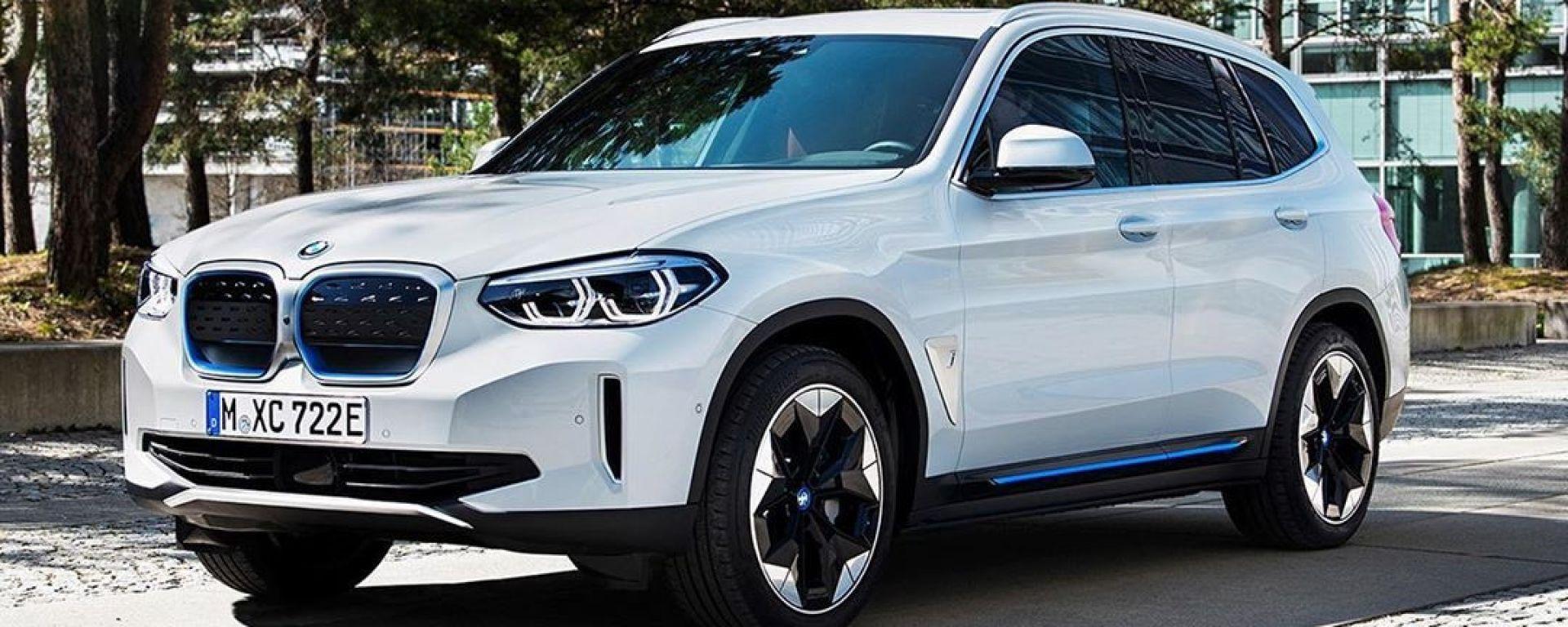 BMW iX3 2021: una delle foto sfuggite in rete, vista 3/4 anteriore