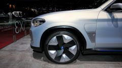 iX3 Concept: le foto del futuro Suv elettrico da Parigi 2018 - Immagine: 13