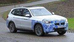 BMW iX3: continua lo sviluppo del SUV elettrico - Immagine: 12