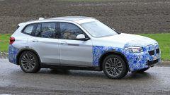 BMW iX3: continua lo sviluppo del SUV elettrico - Immagine: 14