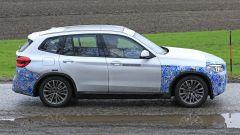 BMW iX3: continua lo sviluppo del SUV elettrico - Immagine: 15
