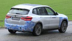 BMW iX3: continua lo sviluppo del SUV elettrico - Immagine: 17