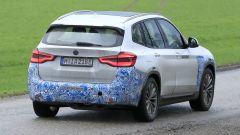 BMW iX3: continua lo sviluppo del SUV elettrico - Immagine: 18