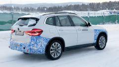 BMW iX3: continua lo sviluppo del SUV elettrico - Immagine: 6