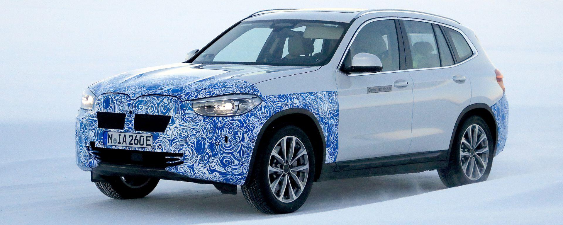 BMW iX3: continua lo sviluppo del SUV elettrico