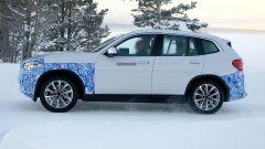 BMW iX3: continua lo sviluppo del SUV elettrico - Immagine: 9