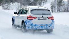 BMW iX3: continua lo sviluppo del SUV elettrico - Immagine: 20