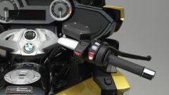 BMW K 1600 Grand America: i comandi al semi-manubrio destro