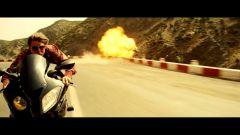 BMW: la S1000 RR star con Tom Cruise - Immagine: 10